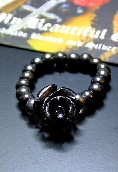 Black Rose & Hematite Stretch Ring