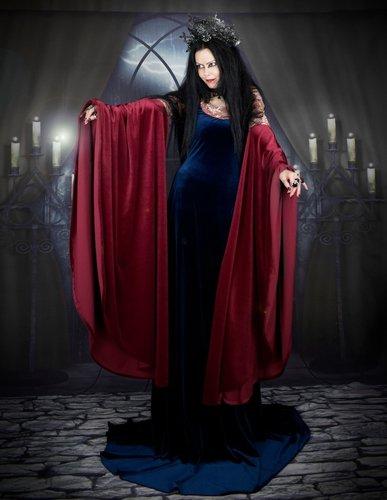 Arwen Undomiel Blood Red Gown