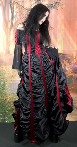 "Mausoleum Gown 8-10 5'8"" Black and Claret"