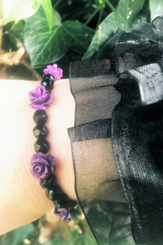 Purple Roses & Black Onyx Gemstone Bracelet